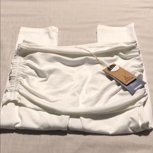 NWT Prana small white Capri leggings